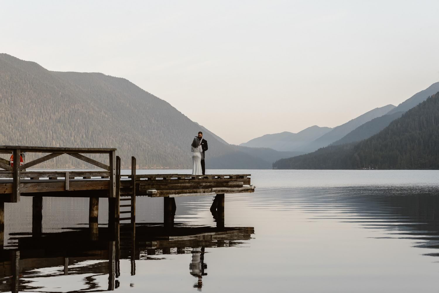First Look Lake Crescent Olympic National Park Elopement